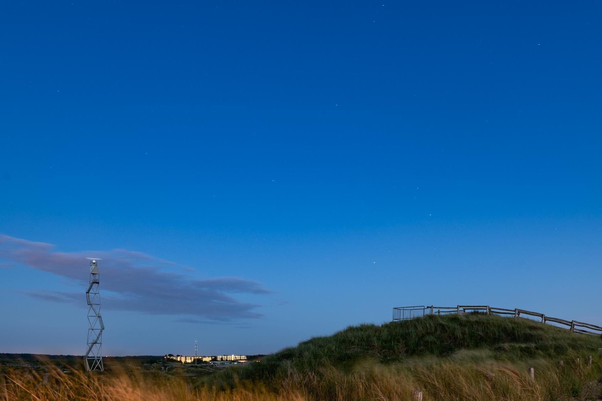 blauwe uur richting van de zon